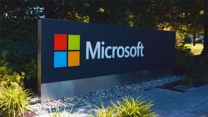 Microsoft теряет прибыль на фоне падения продаж смартфонов и ПО для серверов