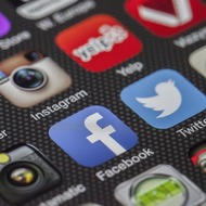 Сервис Instagram вводит прямые трансляции
